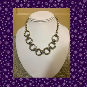 Gold tone/ silver tone necklace